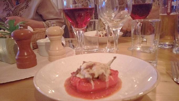 18 augusti var jag medbjuden av Bosse o Eva på en vinprovning på Fröjel Resort.