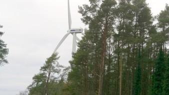 Vindkraftverken snurrade på i bra fart