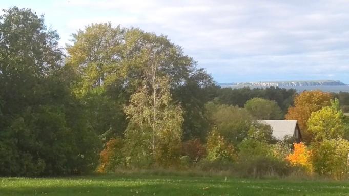 Lilla Karlsö och till vänster om den skymtar Stora Karlsö